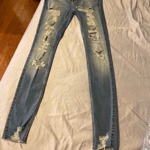 NWOT Hollister Ripped Jeans